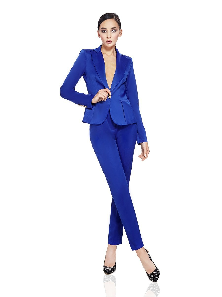 Женский брючный костюм синего цвета