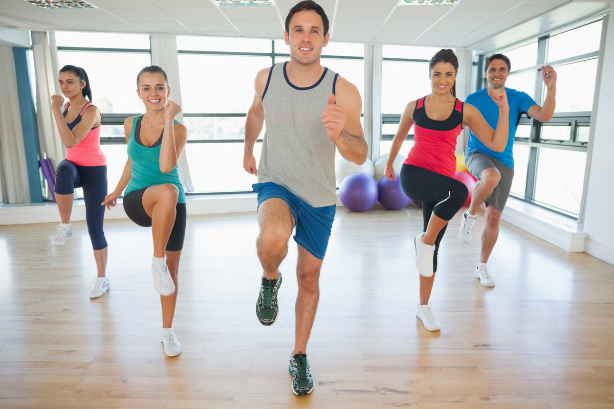 the fat reducing benefits of aerobics Strength training can reduce the signs and symptoms of many chronic conditions, such as arthritis, back pain, obesity, heart disease, depression and diabetes sharpen your thinking skills some research suggests that regular strength training and aerobic exercise may help improve thinking and learning skills for older adults.