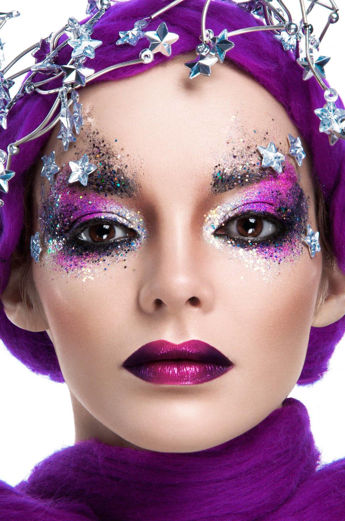 фото креативного макияжа рисунком декоратора новую