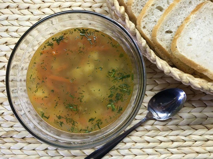 Легкий суп на курином бульоне фото