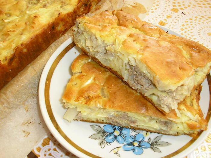 пирог с капустой и яйцом и фаршем