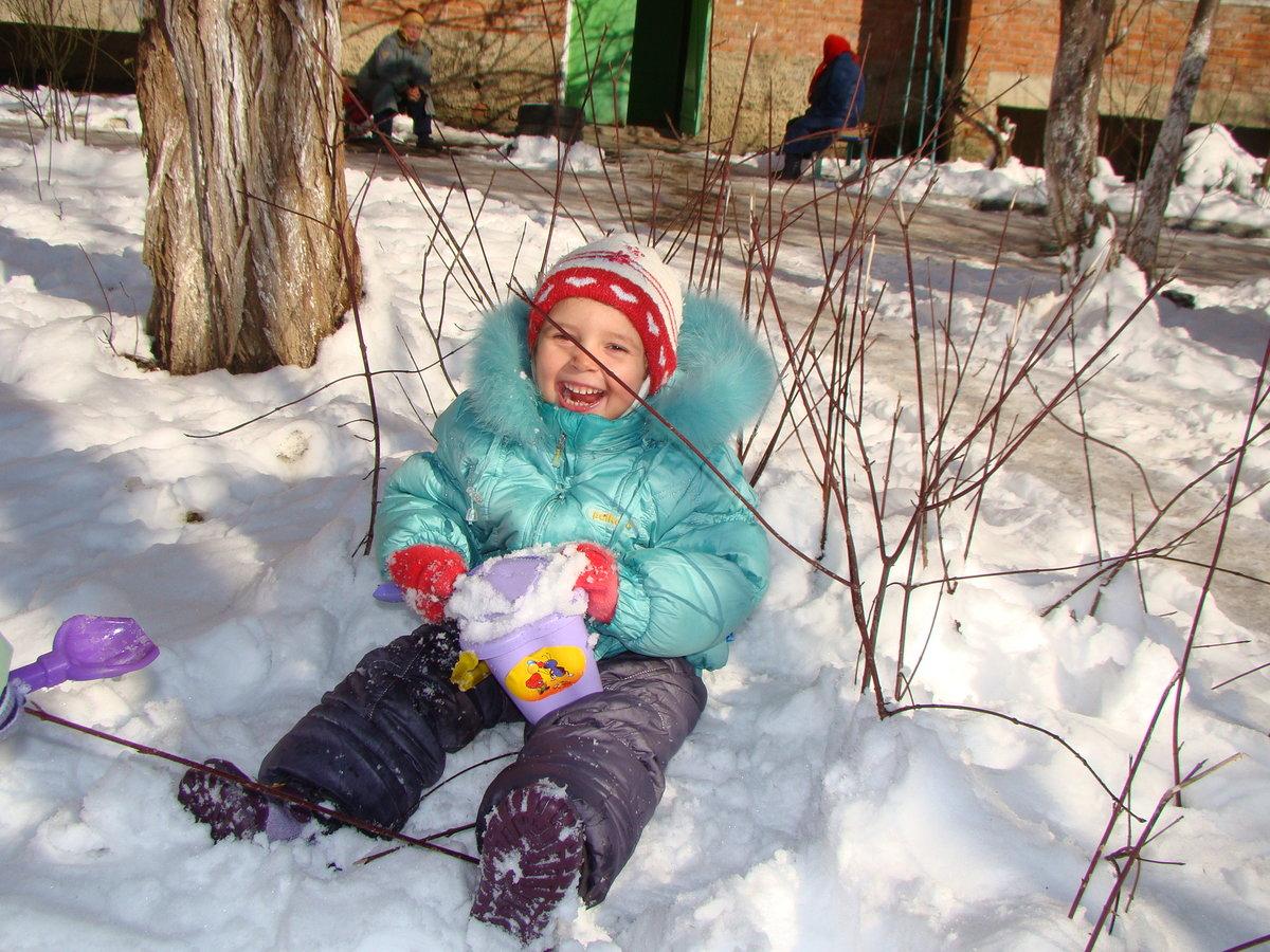 Фото дети зимой на улице