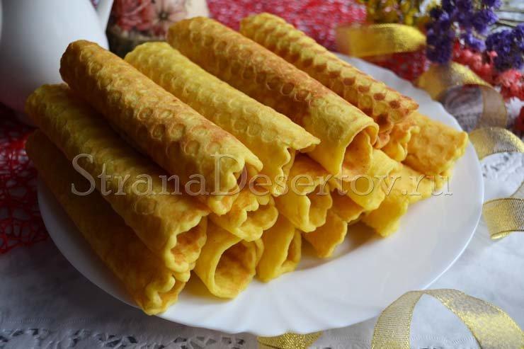 Пошаговый рецепт с фото предлагаю вам приготовить вкусные, хрустящие вафельные трубочки со сгущенкой.