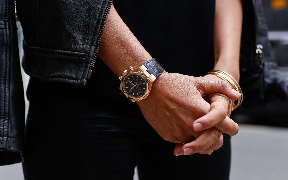 Если эти часы носил ваш близкий родственник или просто хороший знакомый и у вас есть или были хорошие с ним отношения, то можно.