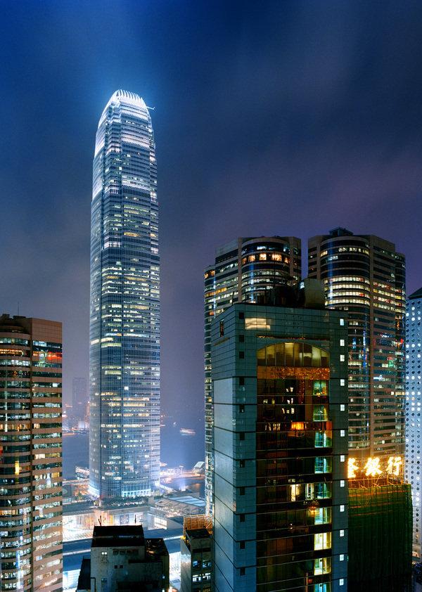 Вертикальная картинка города