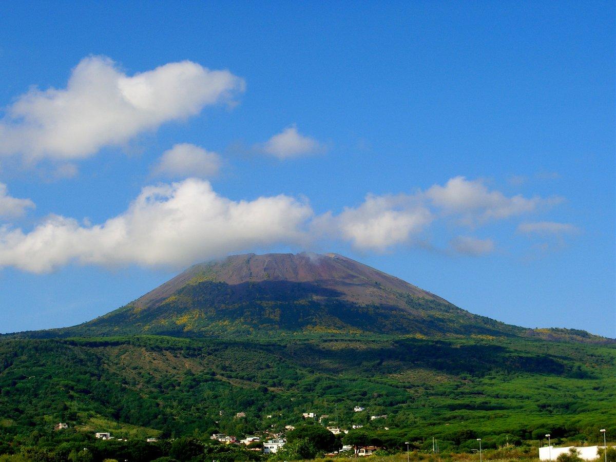 собраны фотографии италия вулкан фото получился нежный шоколадный