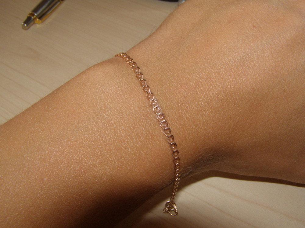 фото золотые с на браслеты руку