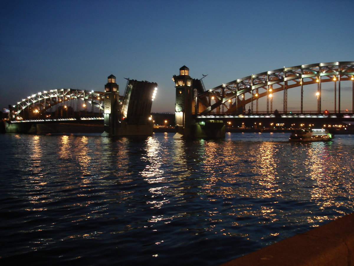 Как определиться с датой приезда в петербург, если одна из целей визита сюда – посмотреть, как разводят мосты?.