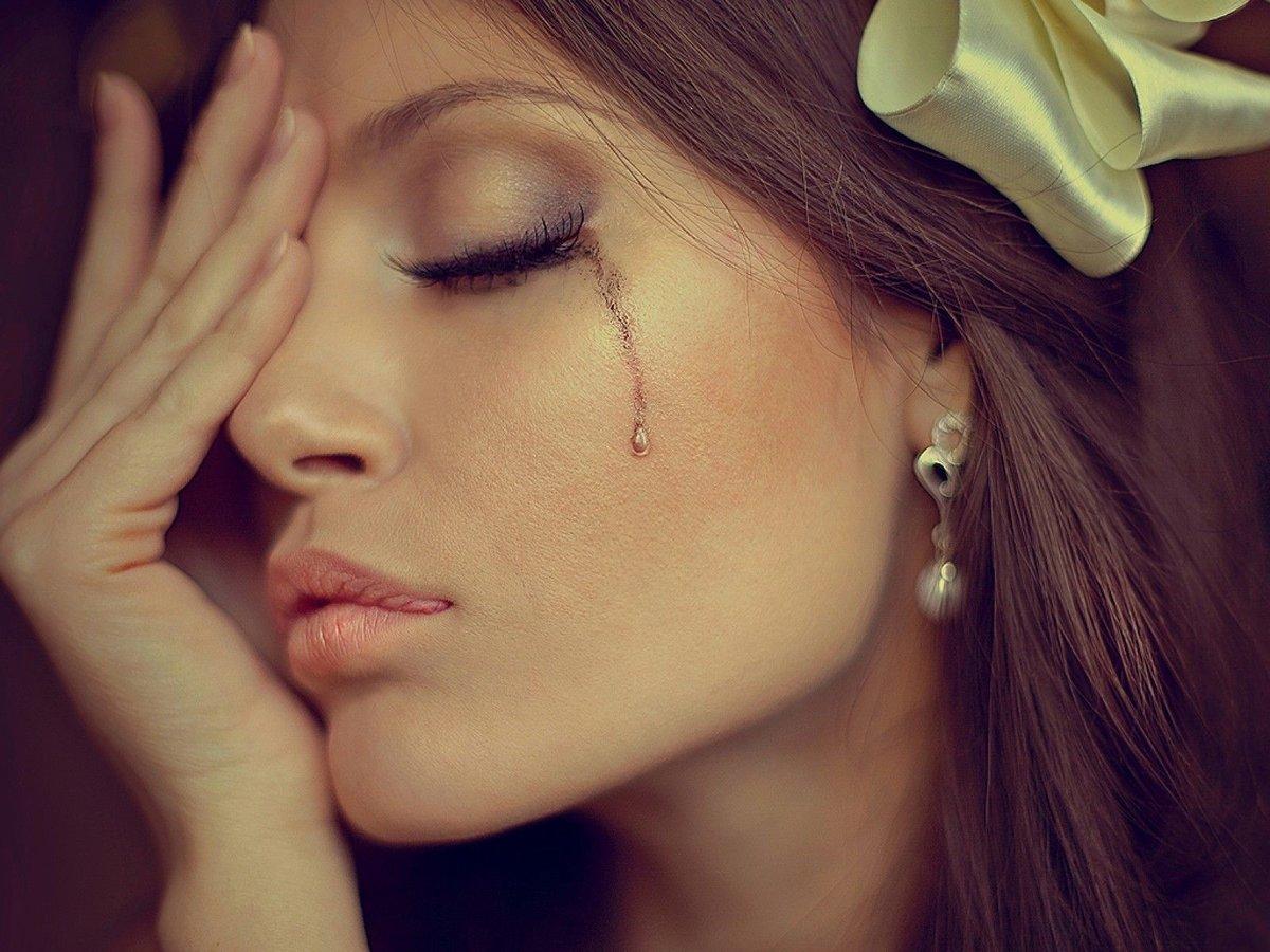 Картинки плачущей женщины