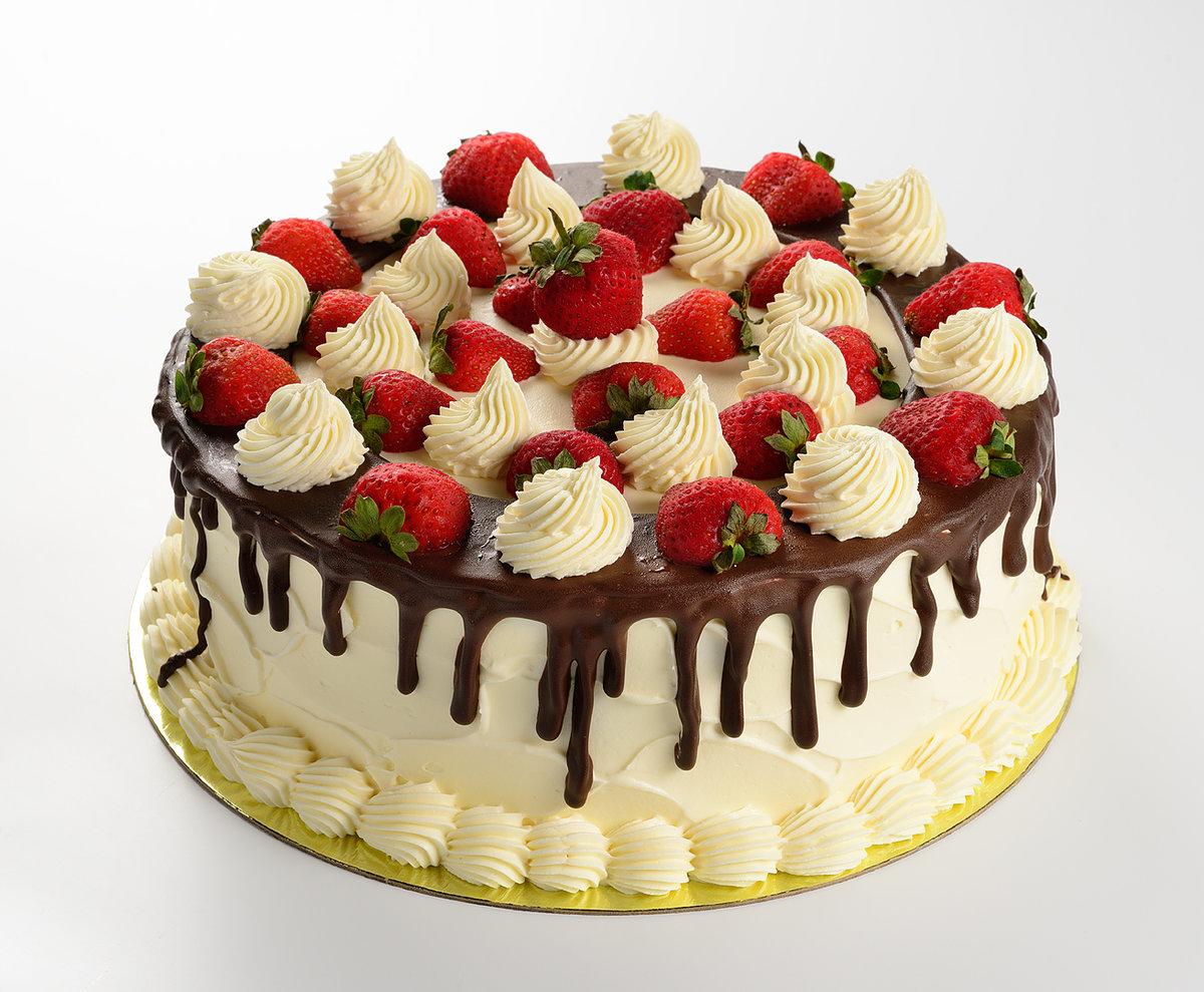 Украшение торта клубникой фото