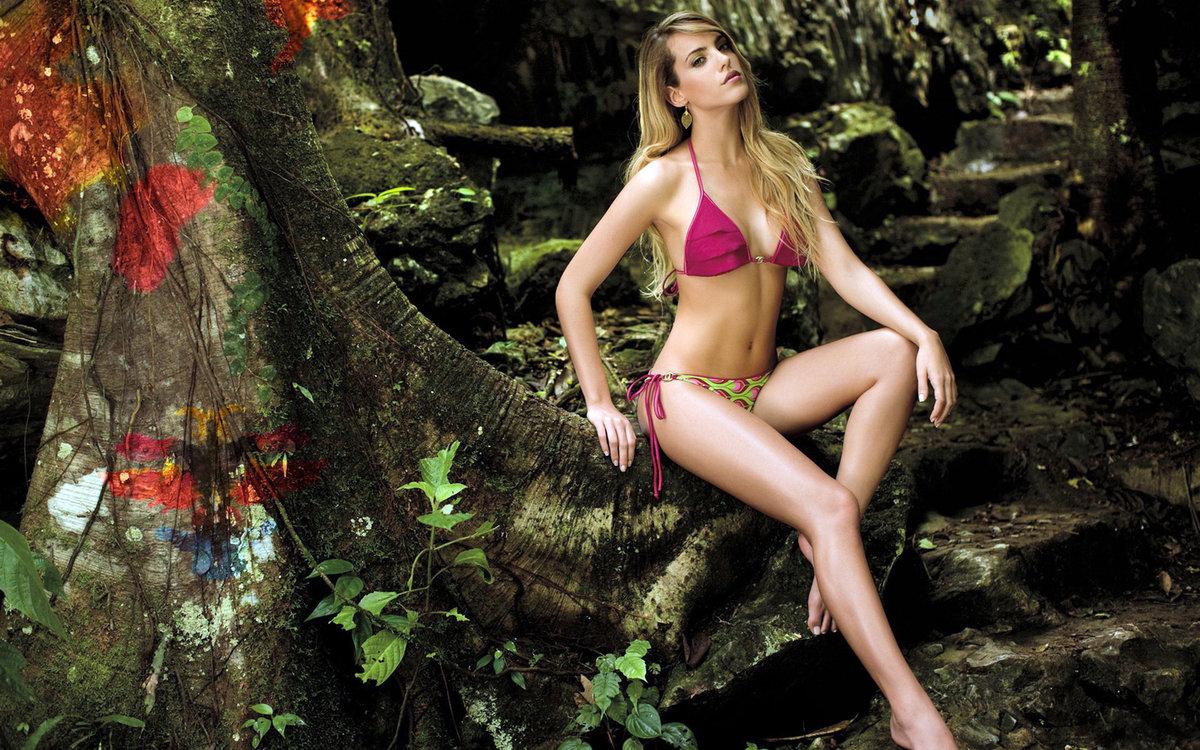 Откровенное домашнее фото девушек в джунгли обслужила всех