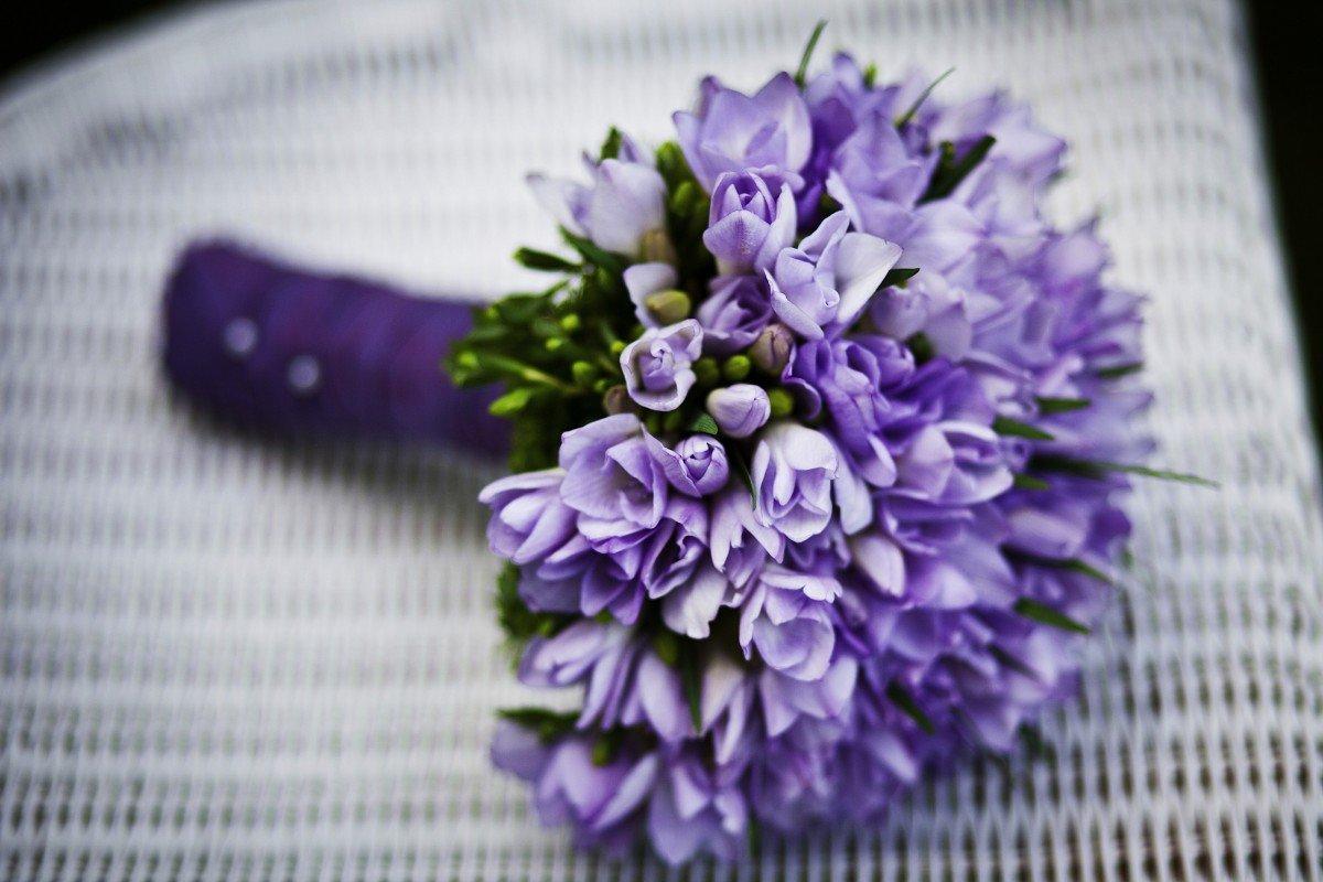Цветов израиле, букет фиолетовых цветов