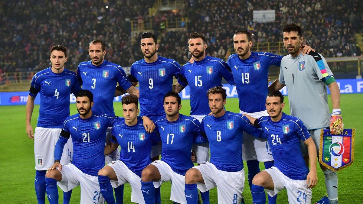 футболисты сборной италии фото дальше вас живет