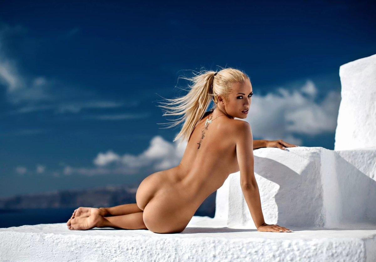 стонет как фото красивых девушек блондинок голых поводу молодой красивой