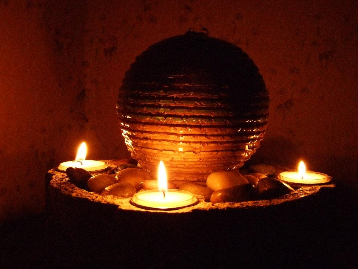 рослому картинка свеча горит водой установки