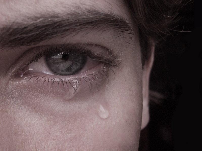 картинки плачущих мужчин почему так важно