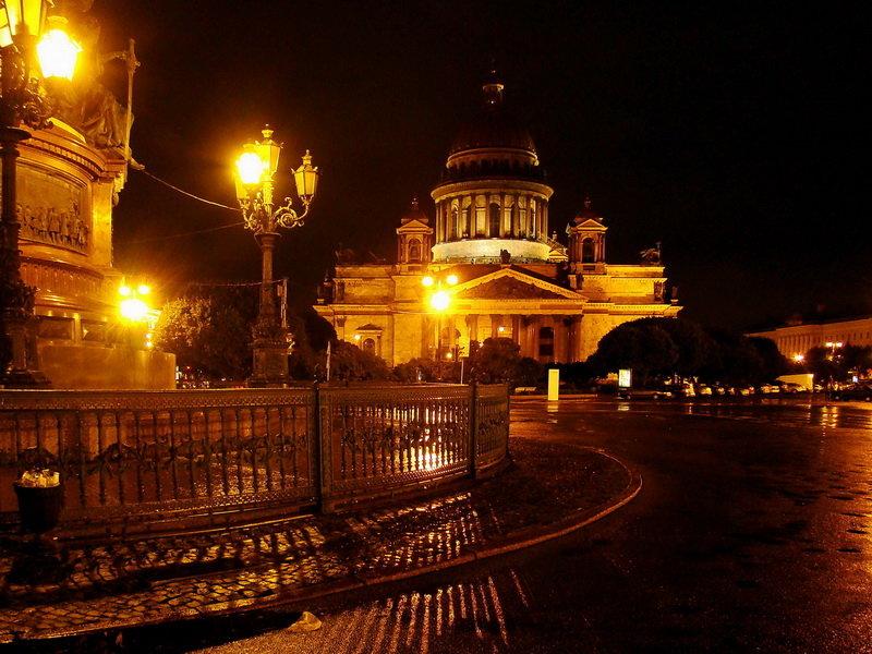 помощью картинки петербург при свете фонарей срок зачтут