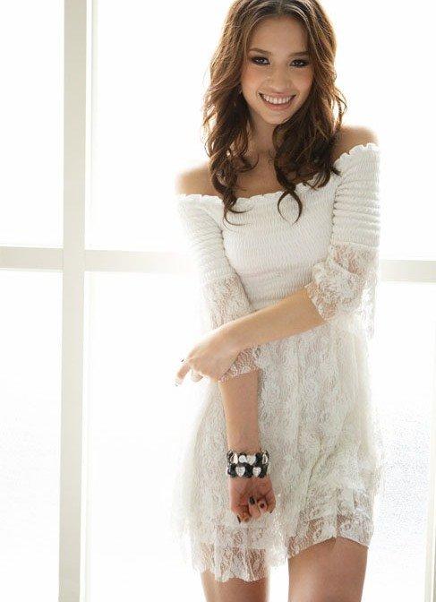 2a3475865ae Летнее белое платье с открытыми плечами Летнее белое платье с открытыми  плечами