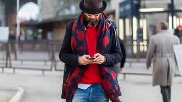 Городской рюкзак-ранец из кожи лаконичного дизайна в уличном мужском ... 6bfbe4674e2