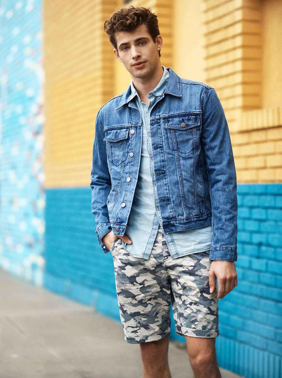 Картинки про джинсовые брюки плюс