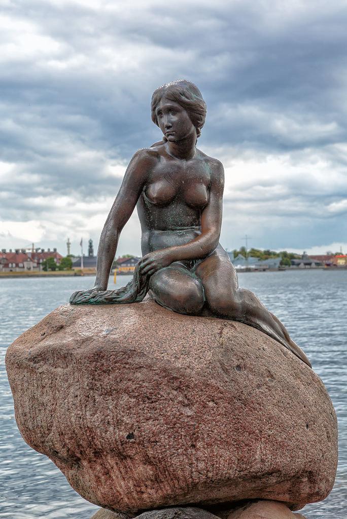 23 августа 1913 года вКопенгагене открыт памятник Русалочке