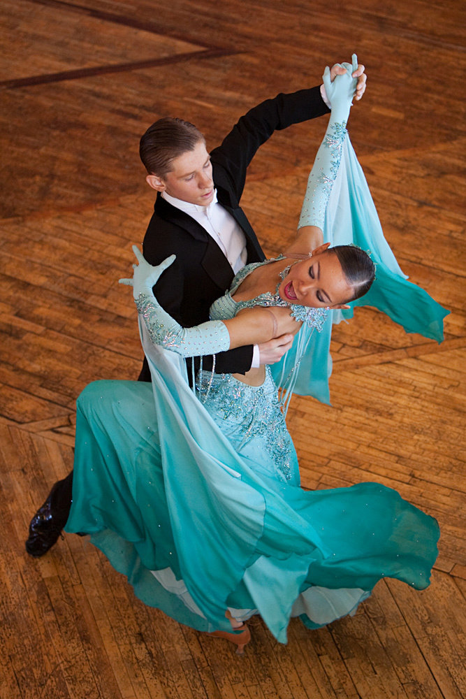Знакомства уровне бальные танцы спортивные на