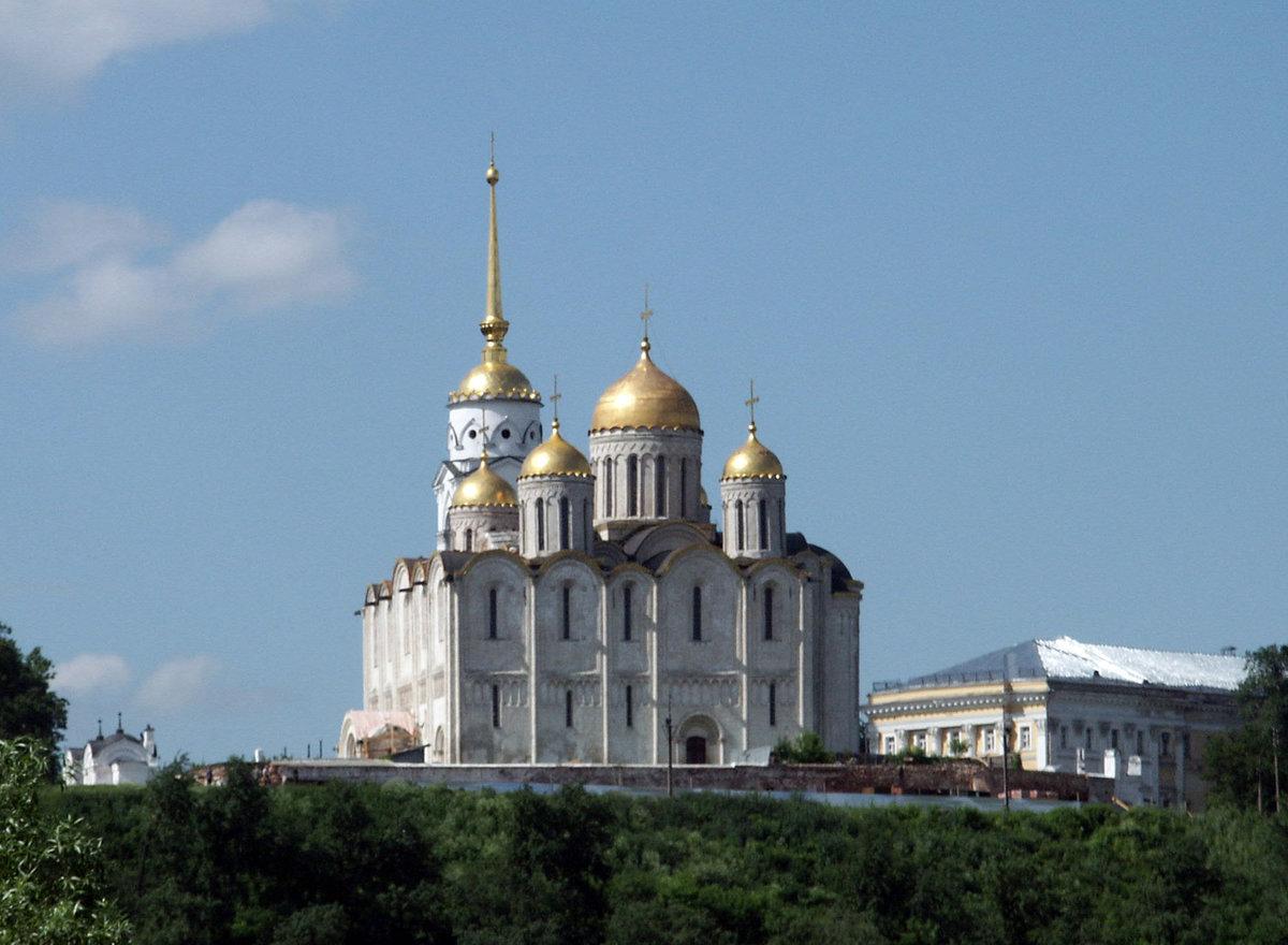 8 апреля 1158 года князь Андрей Боголюбский заложил Успенский собор во Владимире