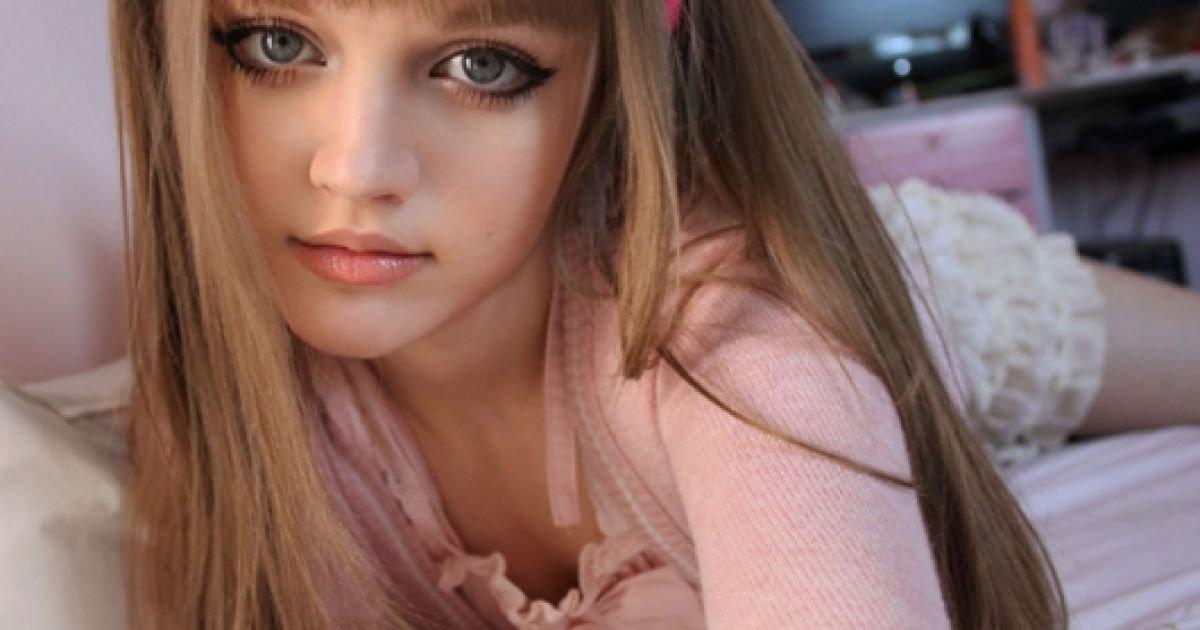 doll-teen-model-naked-zoey-andrews