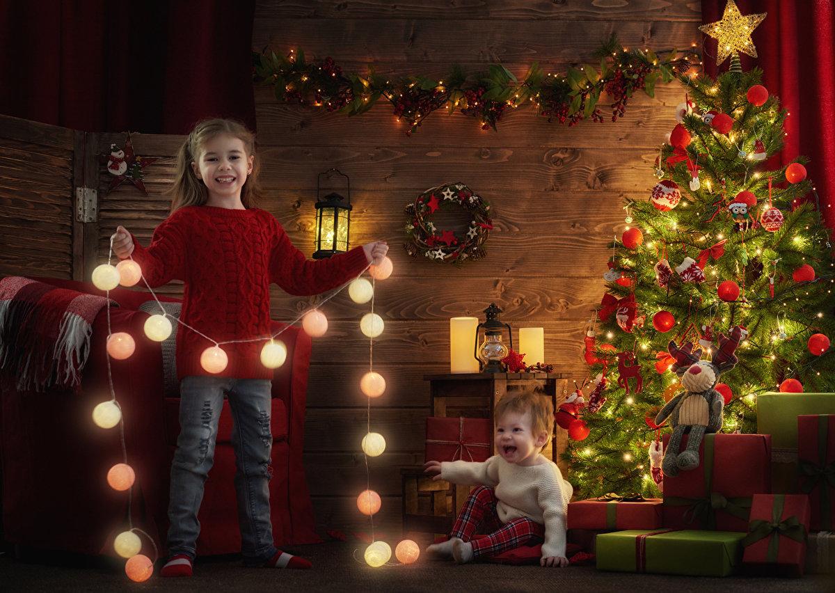 картинки елки с детьми поверьям китайцев