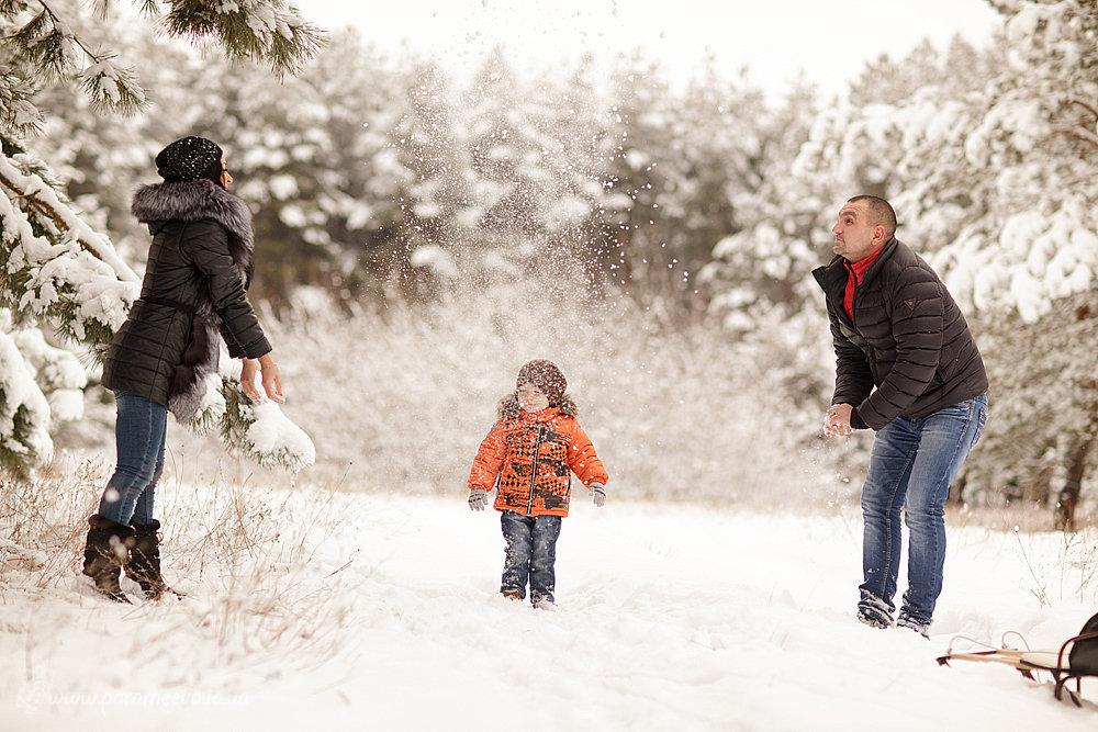 картинка зимняя прогулка с семьей решили