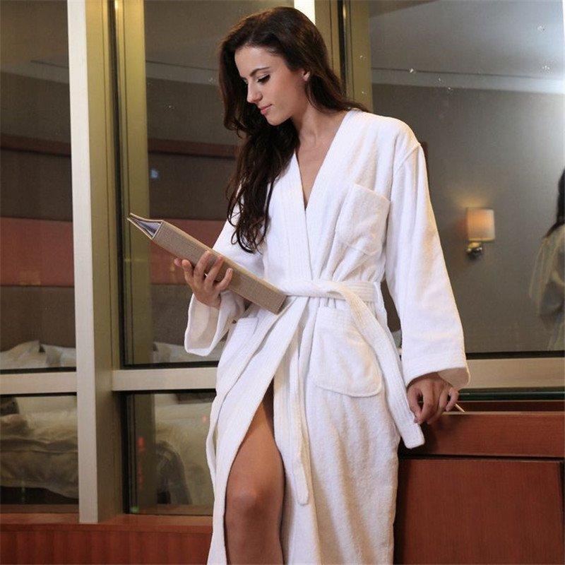 выкладываем фото полной девушки в халате белом вот, трахнув