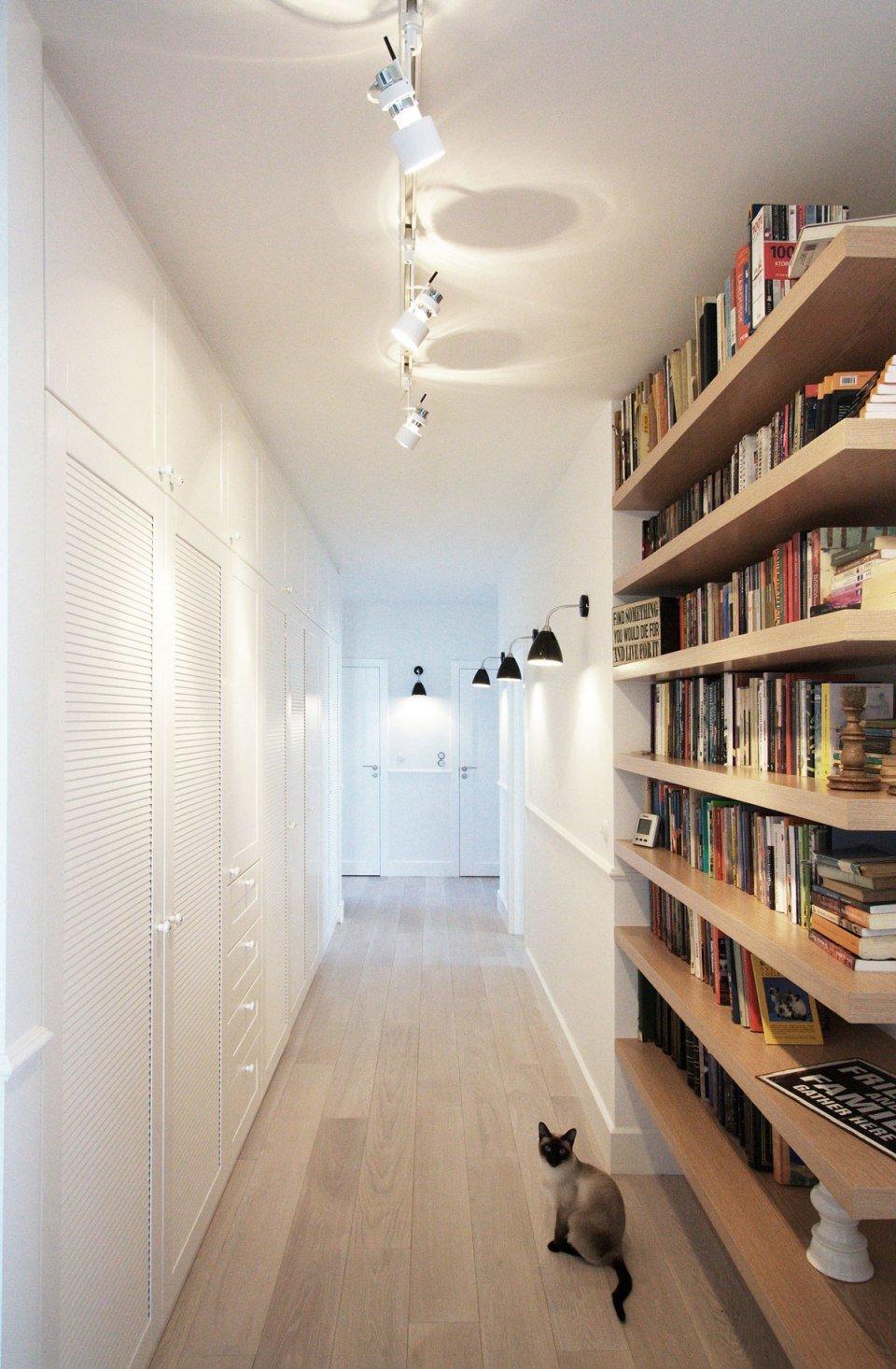 """Шкаф для книг в узкой прихожей."""" - карточка пользователя mil."""