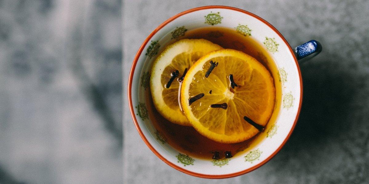 Весна, чай с лимоном открытка прикольная