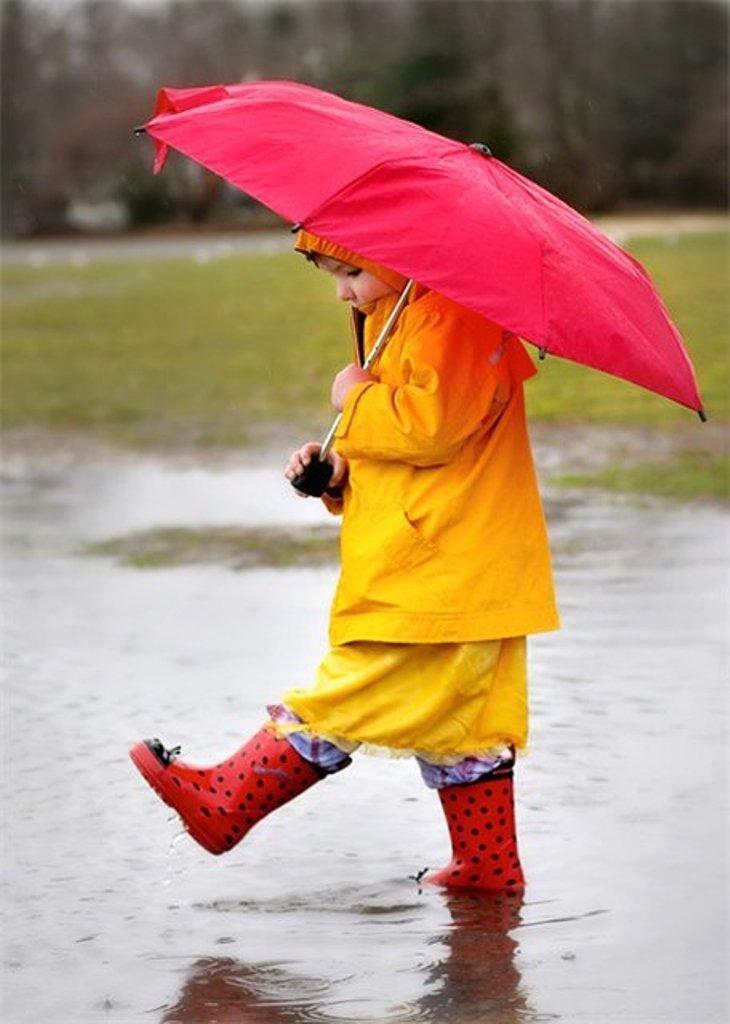 Дети под дождем прикольные картинки