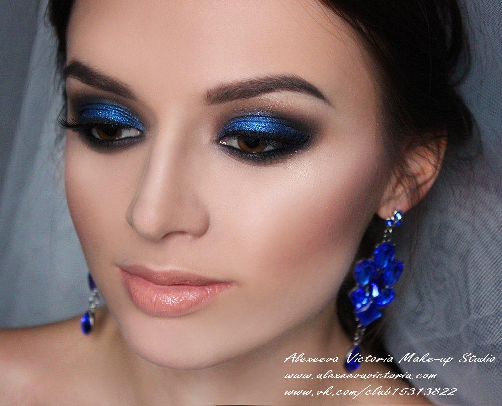 картинки макияжа под синее платье поднятия
