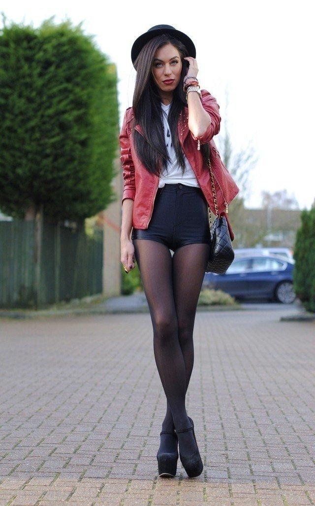 Черные девушки в шортах замечательная