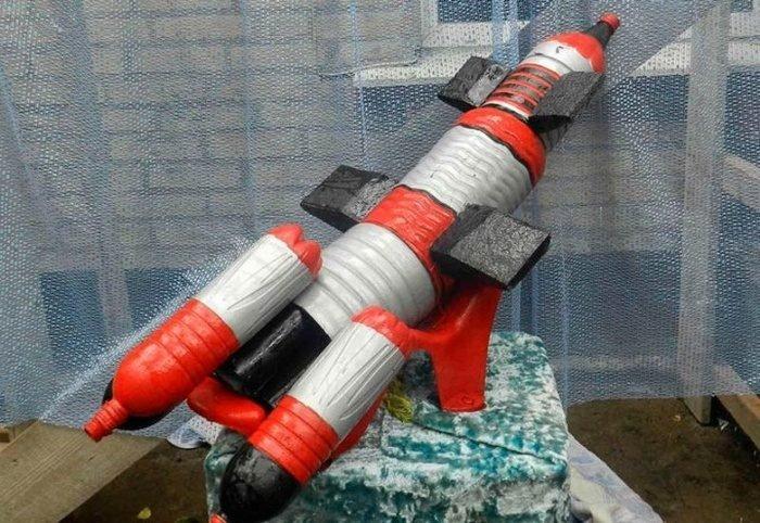 Ракета из пластиковой бутылки своими руками фото