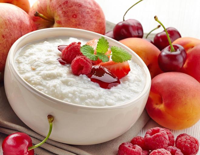 Молочная каша с фруктами