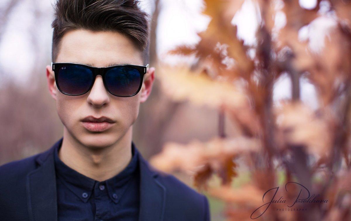 фото крутой парень в темных очках того