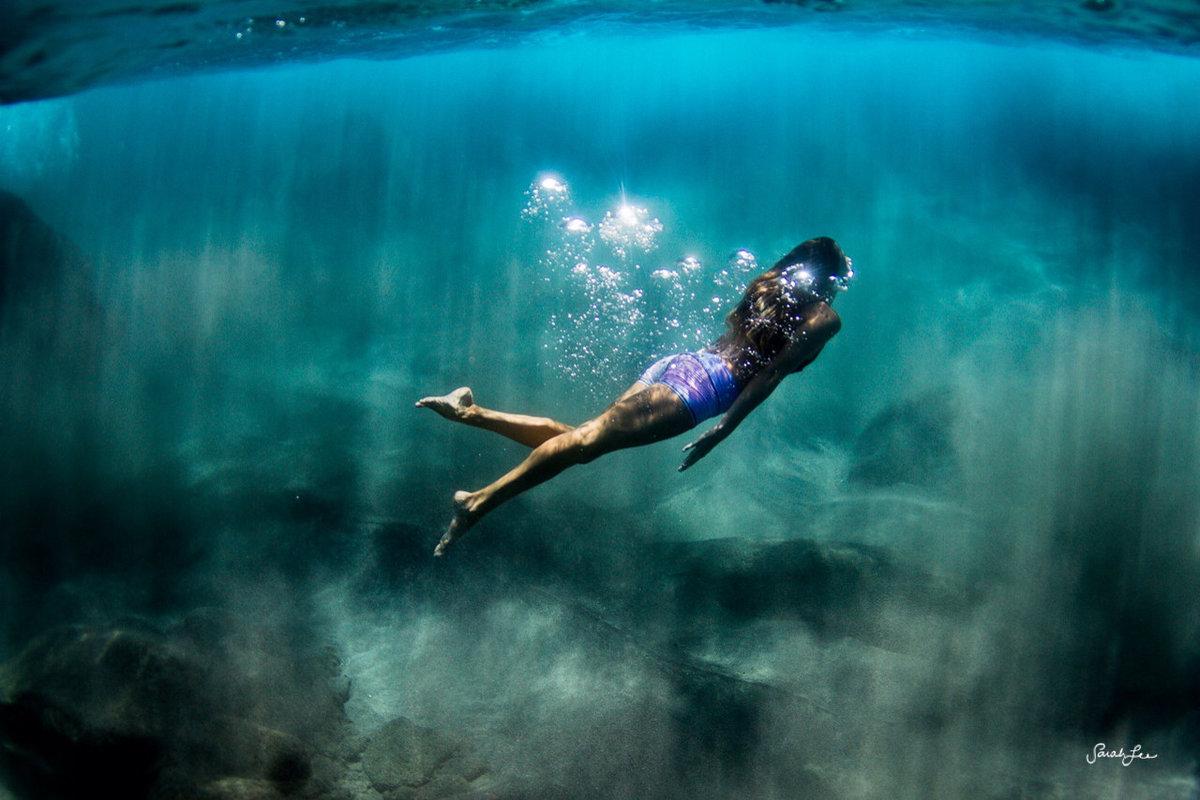 Под смотреть девушки водой