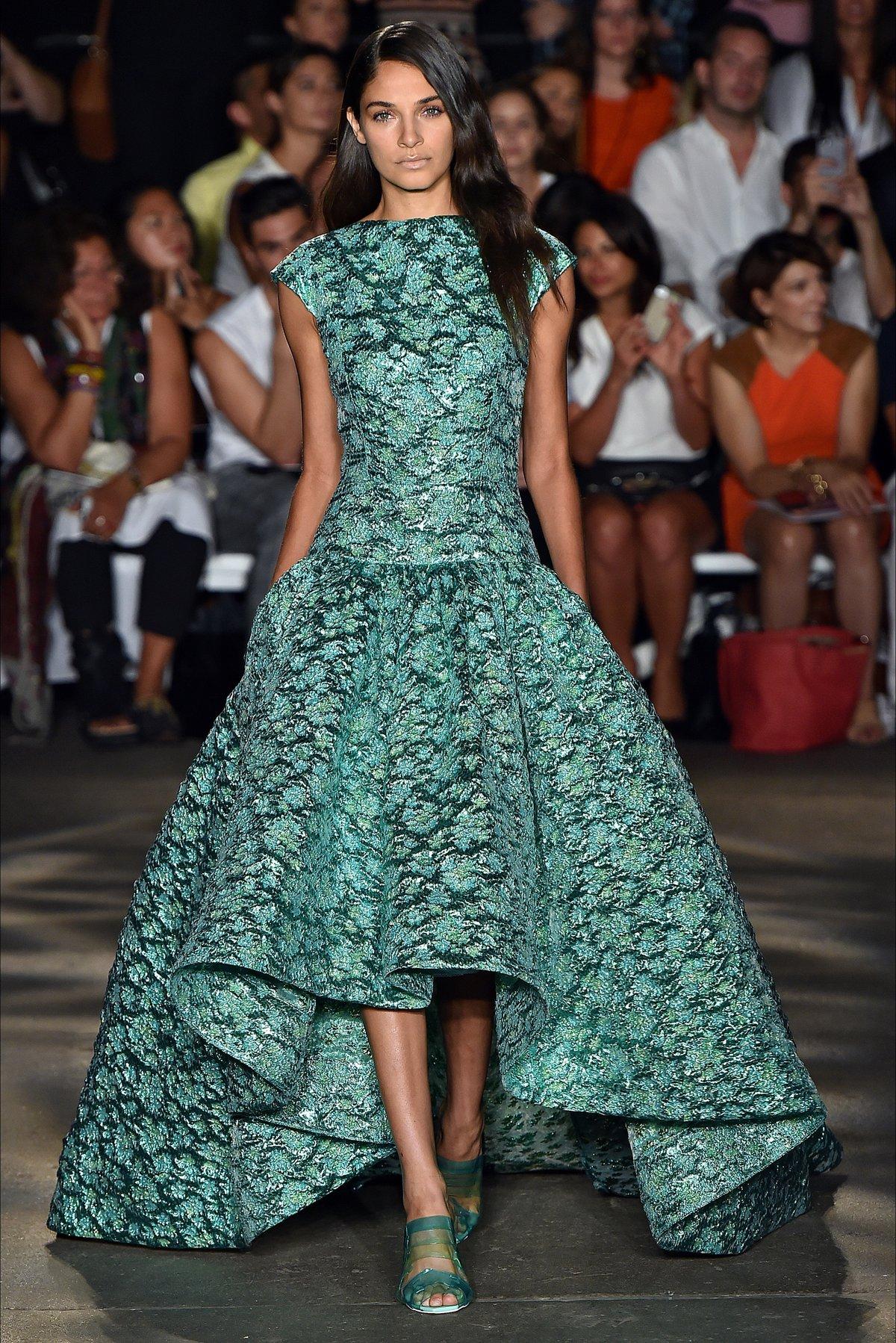 все картинки модных платьев этом