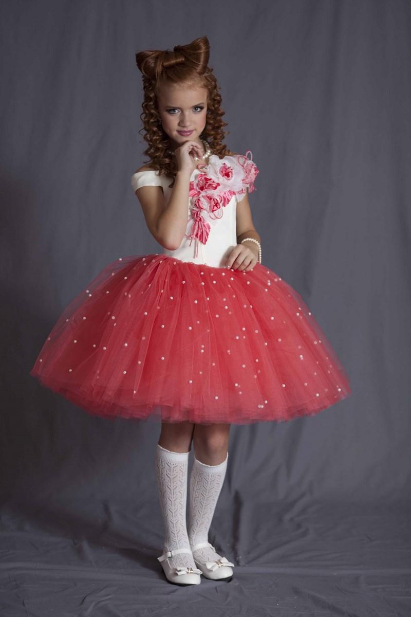 7a99299a970 «Нарядное платье с белым верхом и пышной красной юбкой с белый горошек.» —  карточка пользователя Krom.lebedeva в Яндекс.Коллекциях