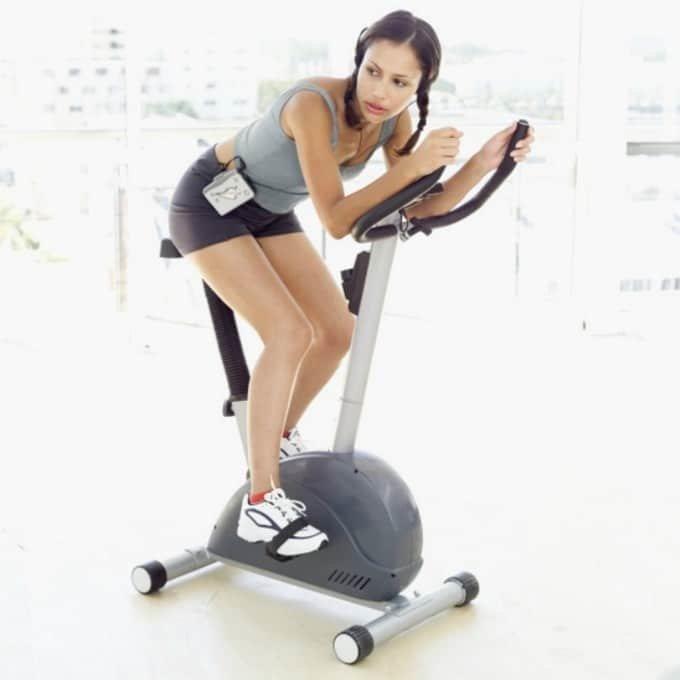 Кардиотренировки На Велотренажере Для Похудения Живота. Велотренажер для похудения — как правильно заниматься на нем дома?