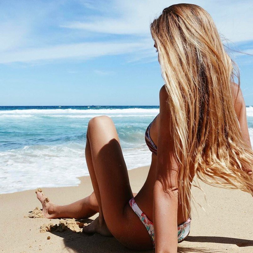 Картинки девушки на пляже на аву