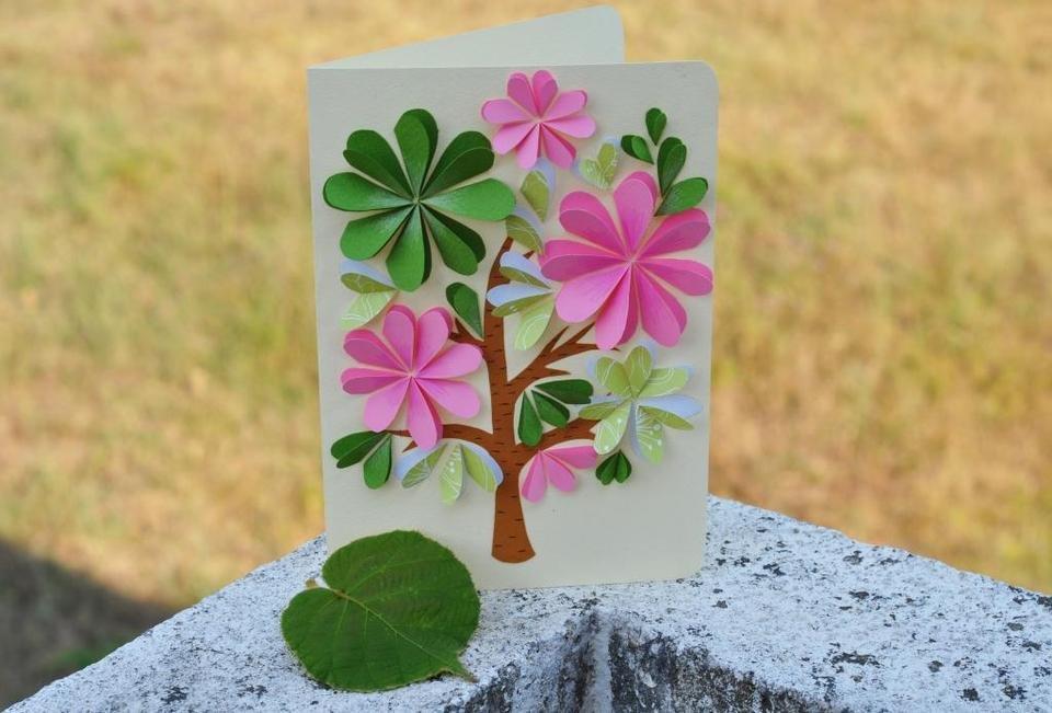 Как сделать открытку с цветами из бумаги внутри, надписью мой