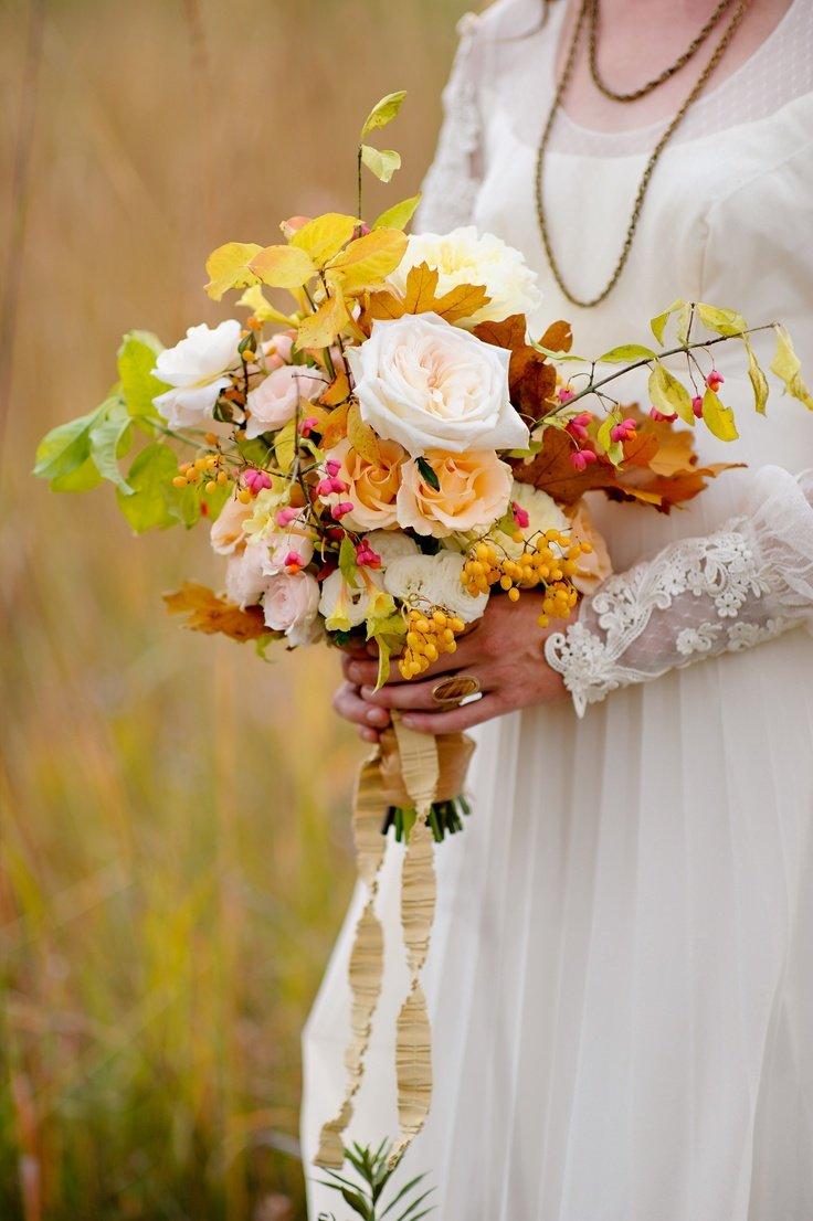 свадебные букеты для невесты осенние фото подходят