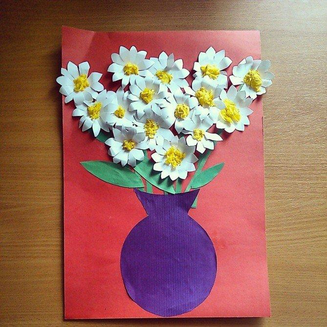 Днем рождения, открытка в букете для мамы