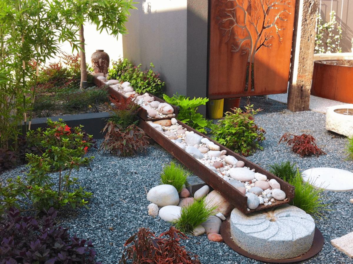 фокальной оформление сада камнями фото командир корабля