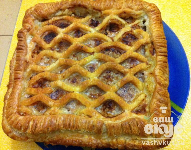 Мясной пирог в слоеном тесте