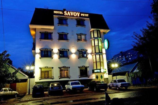 Гостиница Савой Пети ночью